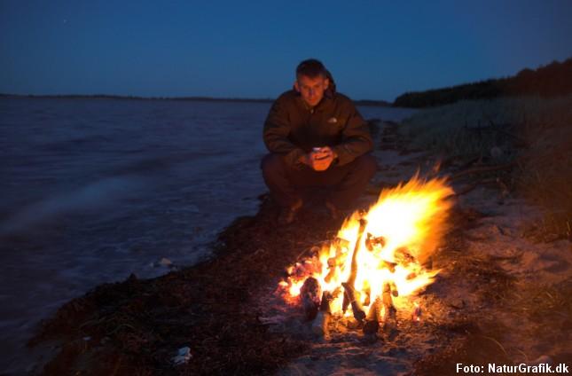 Det er tilladt at tænde mindre bål på den ubevoksede del af stranden.