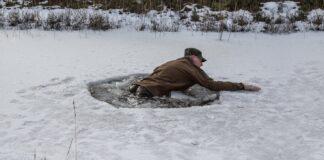 Sådan redder du dig op af isen