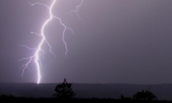 Jorden rammes af lyn mellem 100 og 6000 gange i sekundet. Foto: Hansueli Krapf, Wikipedia.