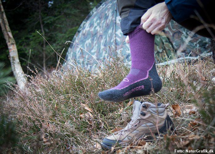 """9b86f023be3 Explorer Kvinde Highlander Uldsokker testet af NaturGuide.dk med """"thumps  up"""". Sokkerne fås bl.a. hos Vandreshoppen."""