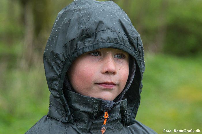 Test af Pinewood Rainfall-regntøj til børn